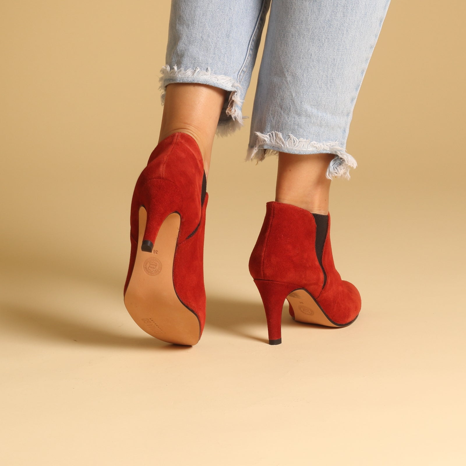 ELLIE Suede Red