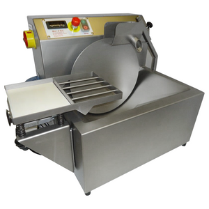 15 kg chocolate tempering machine includes vibrating table