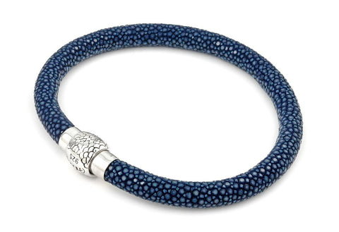 DARK BLUE STINGRAY LEATHER BRACELET WITH MAGNETIC LOCK