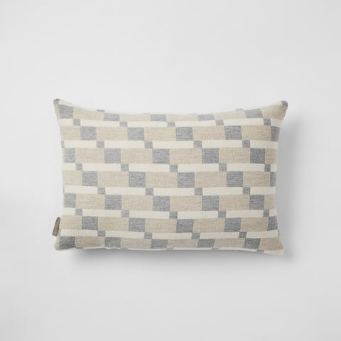 Block cushion in Silver