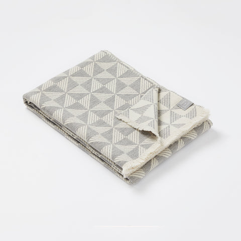 Porto blanket in Pearl Grey