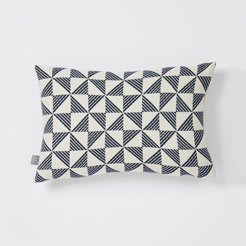 Porto cushion in White/Indigo