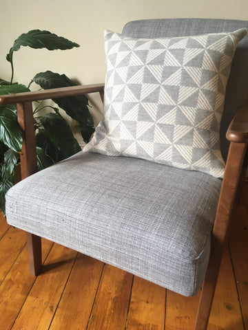 Sample sale Porto cushion in Pearl Grey