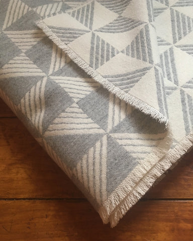 Sample sale Porto blanket in Pearl Grey