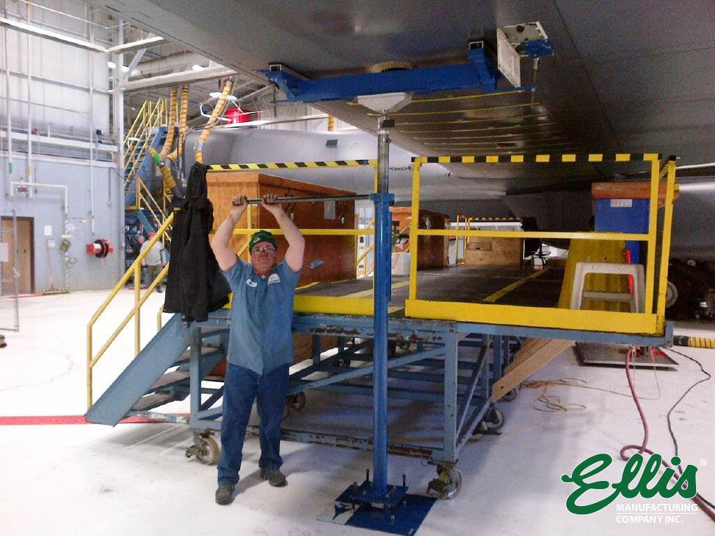 B-1 Bomber Wing Jack With Man Turning Screw - Ellis MFG Co.