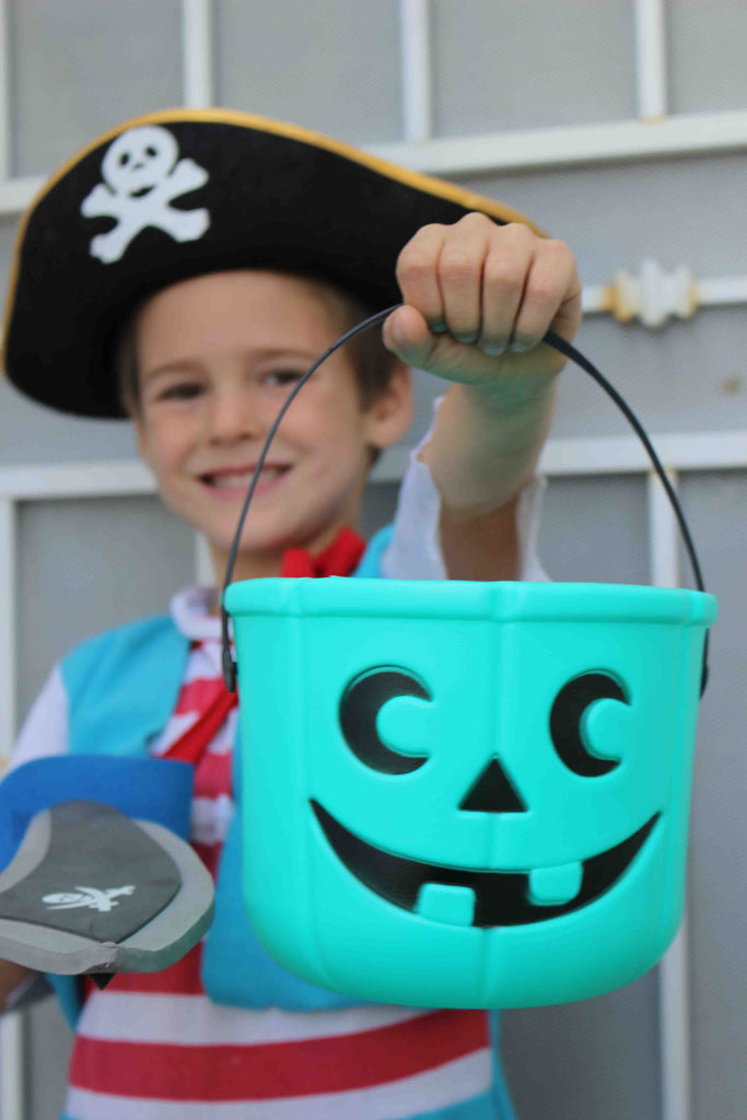 Teal Pumpkin Candy Bucket by food Allergy Superheroes