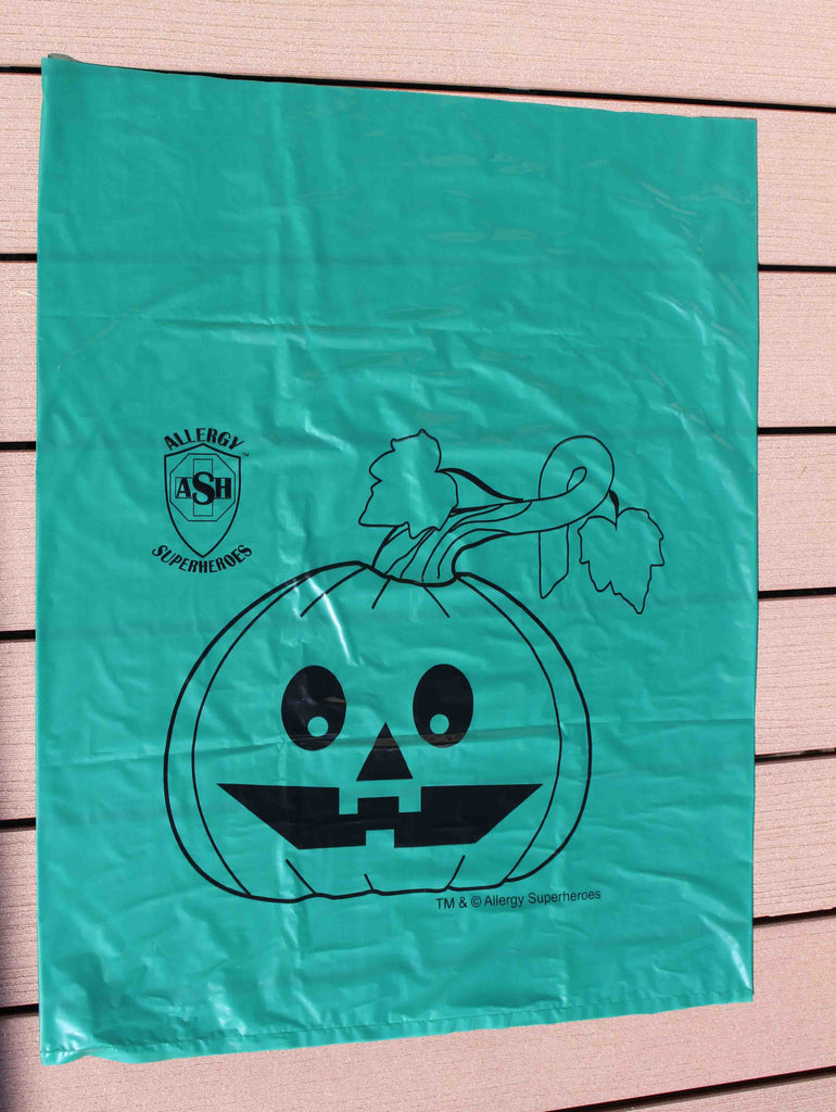 Teal Pumpkin Leaf Bags by food Allergy Superheroes.