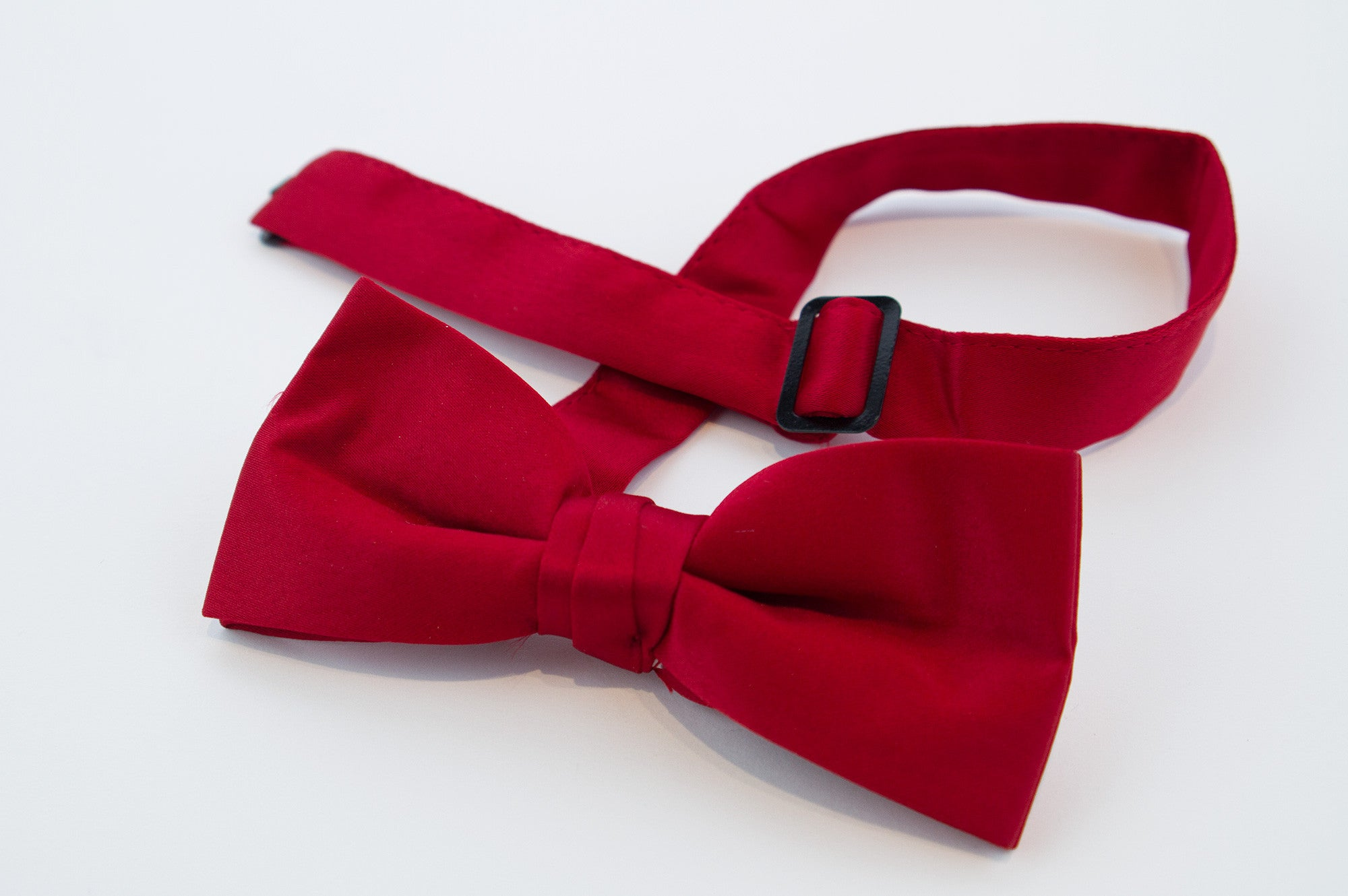 Red Polyester Satin Pre-tied Bow Tie