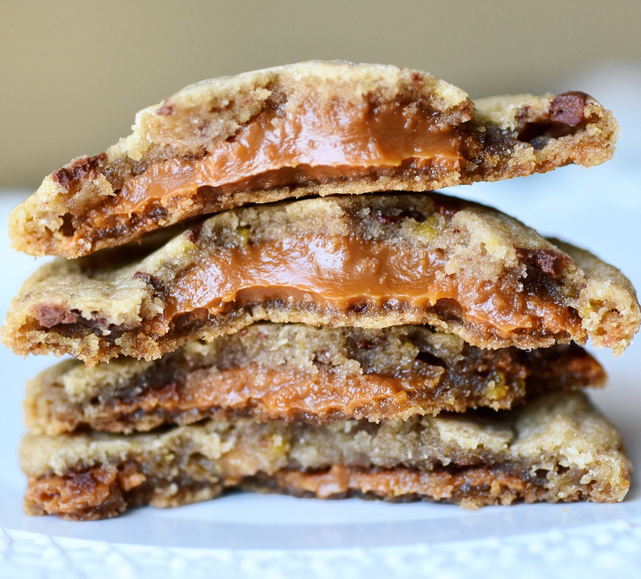 DULCE DE LECHE STUFFED COOKIES