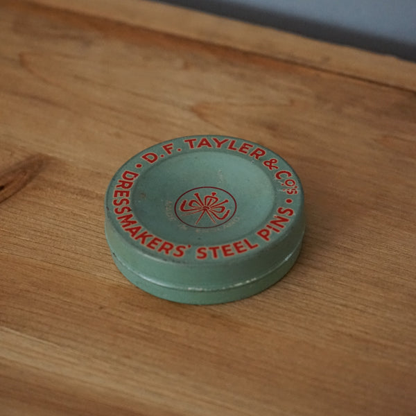 D.F. Tayler & Co Dressmakers' Pins Tin