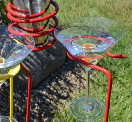 4 Pack Outdoor Wine Glass Holders w/ Red & Black Bottle Holders