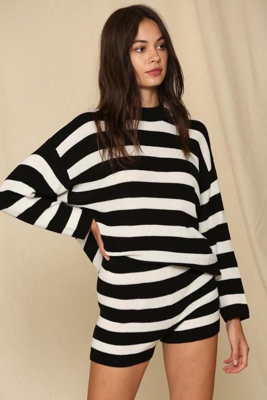 Sweater - The Kailee Striped Sweater In Midnight