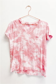 T-Shirt - The Leo Tie Dye Tee In Coral