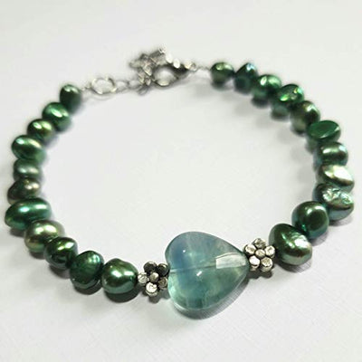Green Pearls and Fluorite Bracelet. Adjustable Pearls Bracelet. Genuine Freshwater Pearls. Balance Bracelet.
