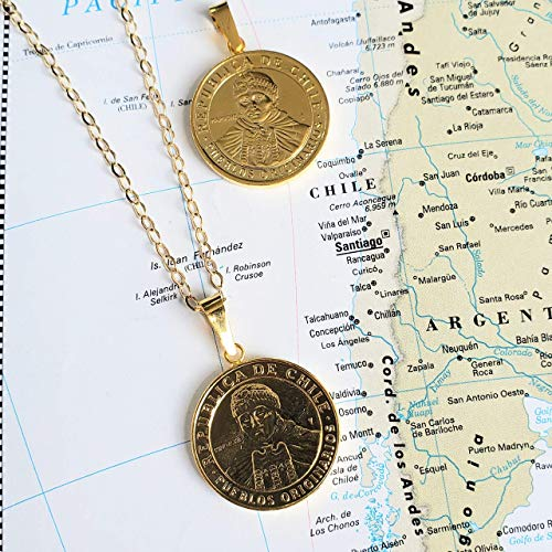 Chilean Coin Vintage Necklace by D'Mundo Accesorios. Chile 100 Pesos Coin Pendant. Gold Plated Medallion Handmade Necklace.