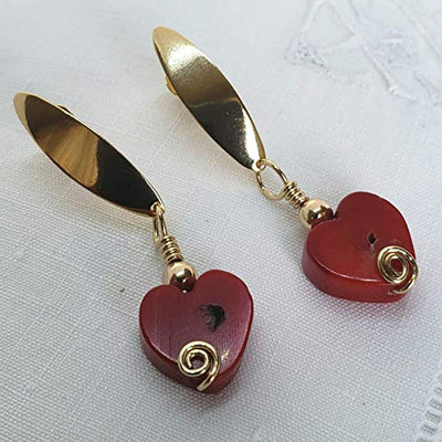 Coral Earrings. Heart Earrings. Drop Earrings by D'Mundo Accesorios. Love Gift. Mother's Day Gift. Dangle Earrings on 14Kt gold filled posts.