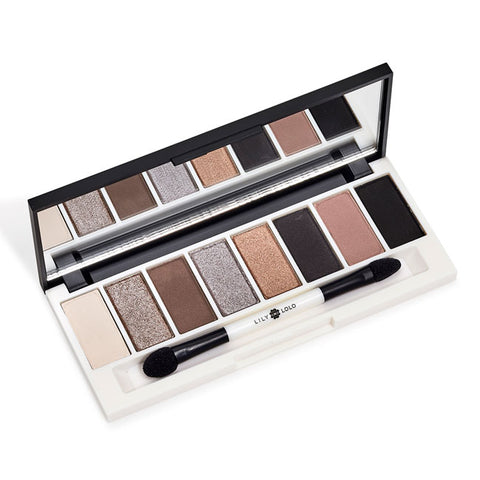 PEDAL TO THE METAL EYE PALETTE <br> Give your look some serious, shimmering va va voom with highly pigmented, metallic shadows