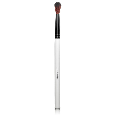 EYE BLENDING BRUSH <br> Ideal for blending and shading eye shadows