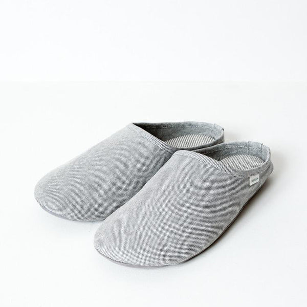 SASAWASHI ROOM SHOES <br> Antibacterial fabric that absorbs moisture and odours from the skin