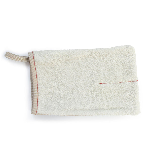 SASAWASHI BODY SCRUB MITT <br> Unique fabric with anti-bacterial properties prevents unpleasant odours and mildew growth