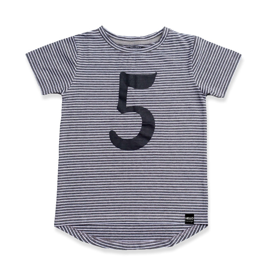 NUMBER SCOOP TEE - Charcoal Stripe
