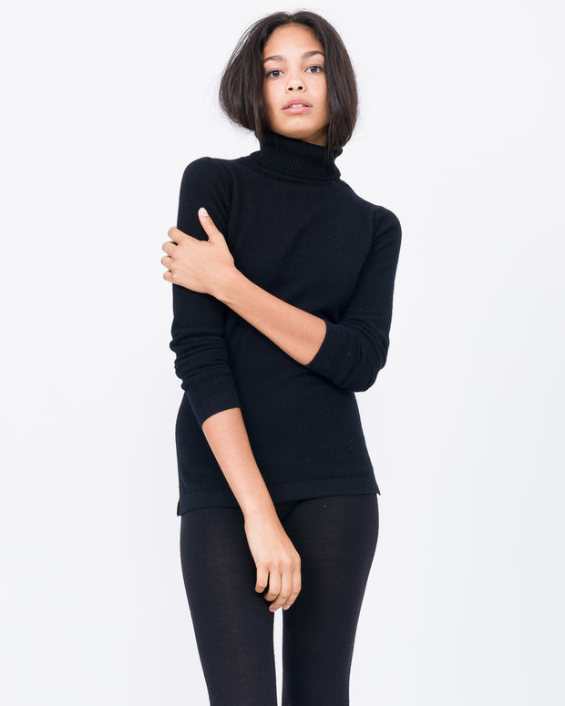 bloggers wear cashmere turtle neck