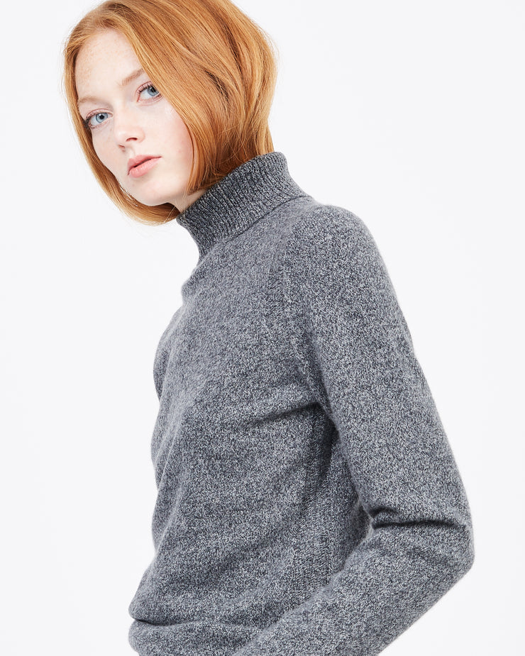 dark grey essential pullover