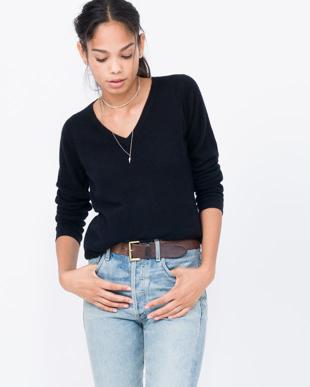 black cashmere v neck sweater