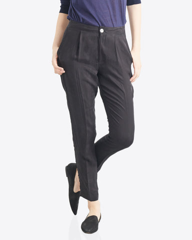 Leah Tapered Essential Pant