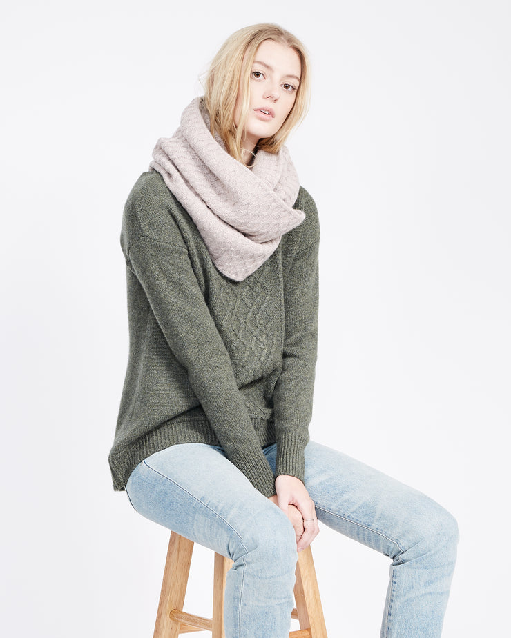 mixed stitch cashmere accessory