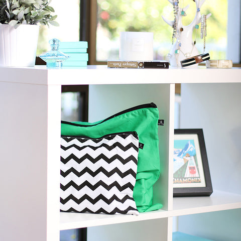 Getting-Ziggy-Chevron-Green-Envy-5-Pack-Organised-shelf