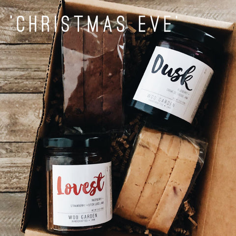 Our 'christmas eve' jam and biscotti gift box contains dusk, lovest, and two kinds of biscotti.