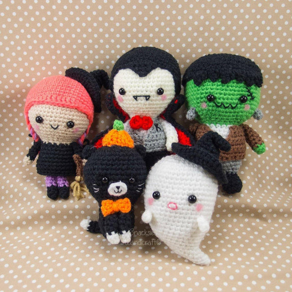 Crochet Halloween Amigurumi for Decoration - Vampire, Witch, Frankenstein, Cat, Ghost