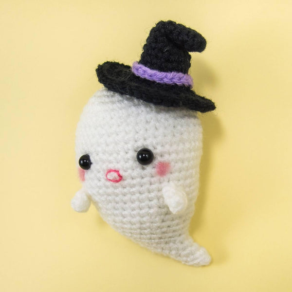 Right view of Ghost Amigurumi Pattern