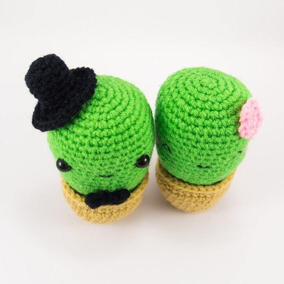 Cactus Couple Amigurumi Wedding Pattern Top View