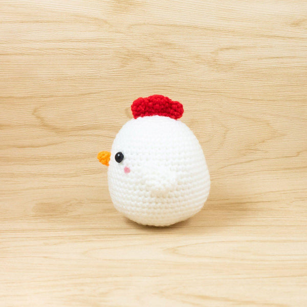 Crochet chicken plush pattern for DIY