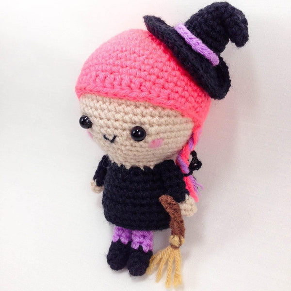 witch amigurumi pattern side view