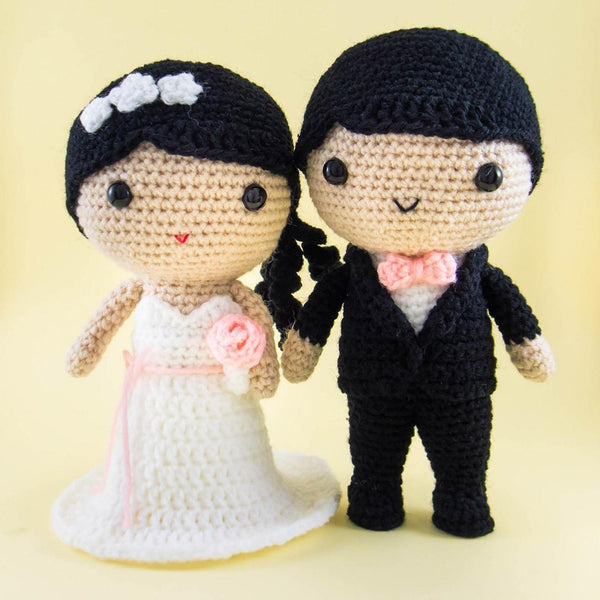Bride and Groom Amigurumi For Table Centerpiece