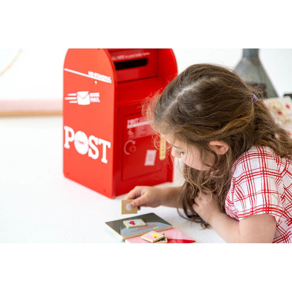MAKE ME ICONIC | POST BOX