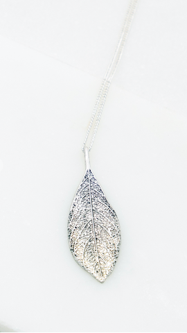 Silver Pendant Leaf Necklace