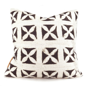 Modern Boho | Black & White Neutral Mudcloth Pillowbest decor - HUNTEDFOX
