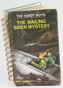 The Hardy Boys #30 - The Wailing Siren Mystery (Vintage)-Red Barn Collections