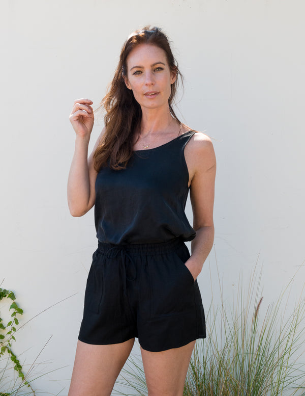 JOLIE Shorts in Black