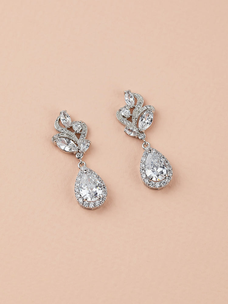 Load image into Gallery viewer, Nessa Earrings | Short
