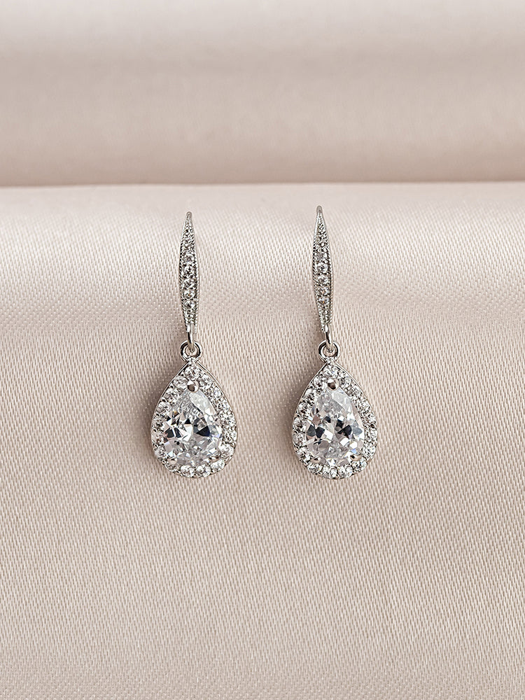 Load image into Gallery viewer, Victoria Earrings (Bridesmaid)