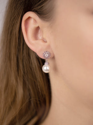 Load image into Gallery viewer, Sylvia Pearl Earrings