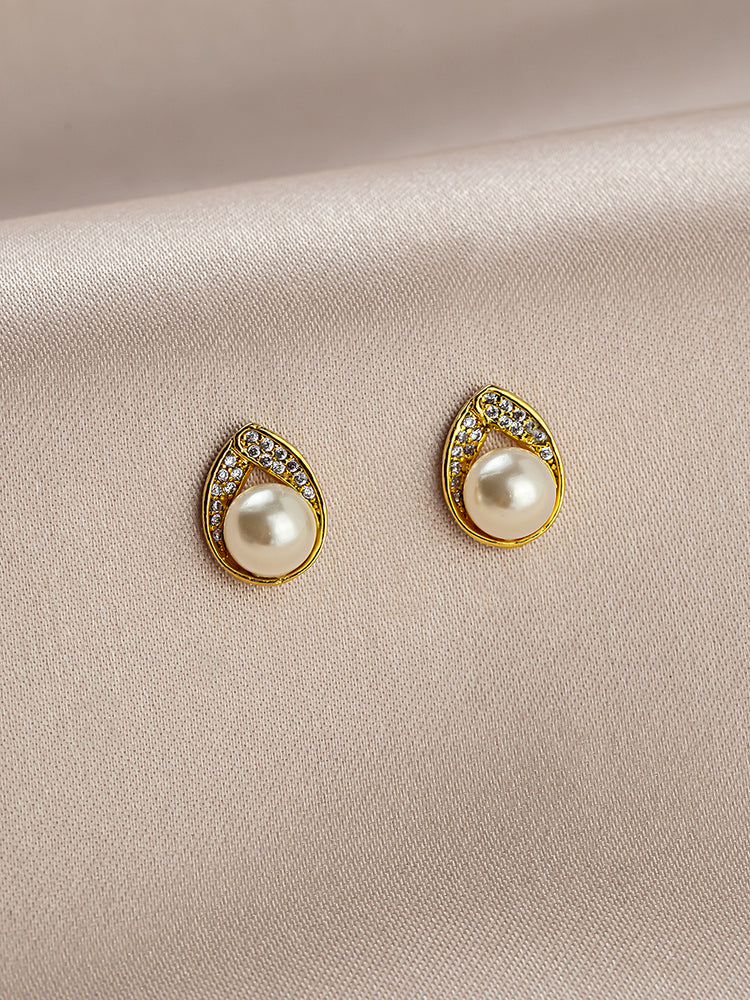 Astra Gold Stud Earrings