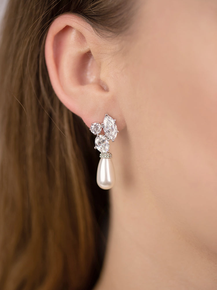 Hester Pearl Earrings (Bridesmaid)