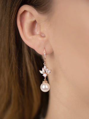 Load image into Gallery viewer, Eliana Pearl Rose Gold Earrings