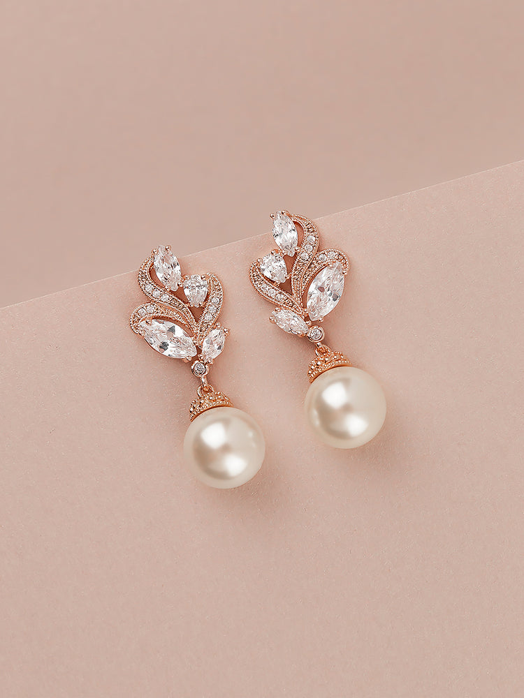 Load image into Gallery viewer, Nessa Pearl Rose Gold Earrings